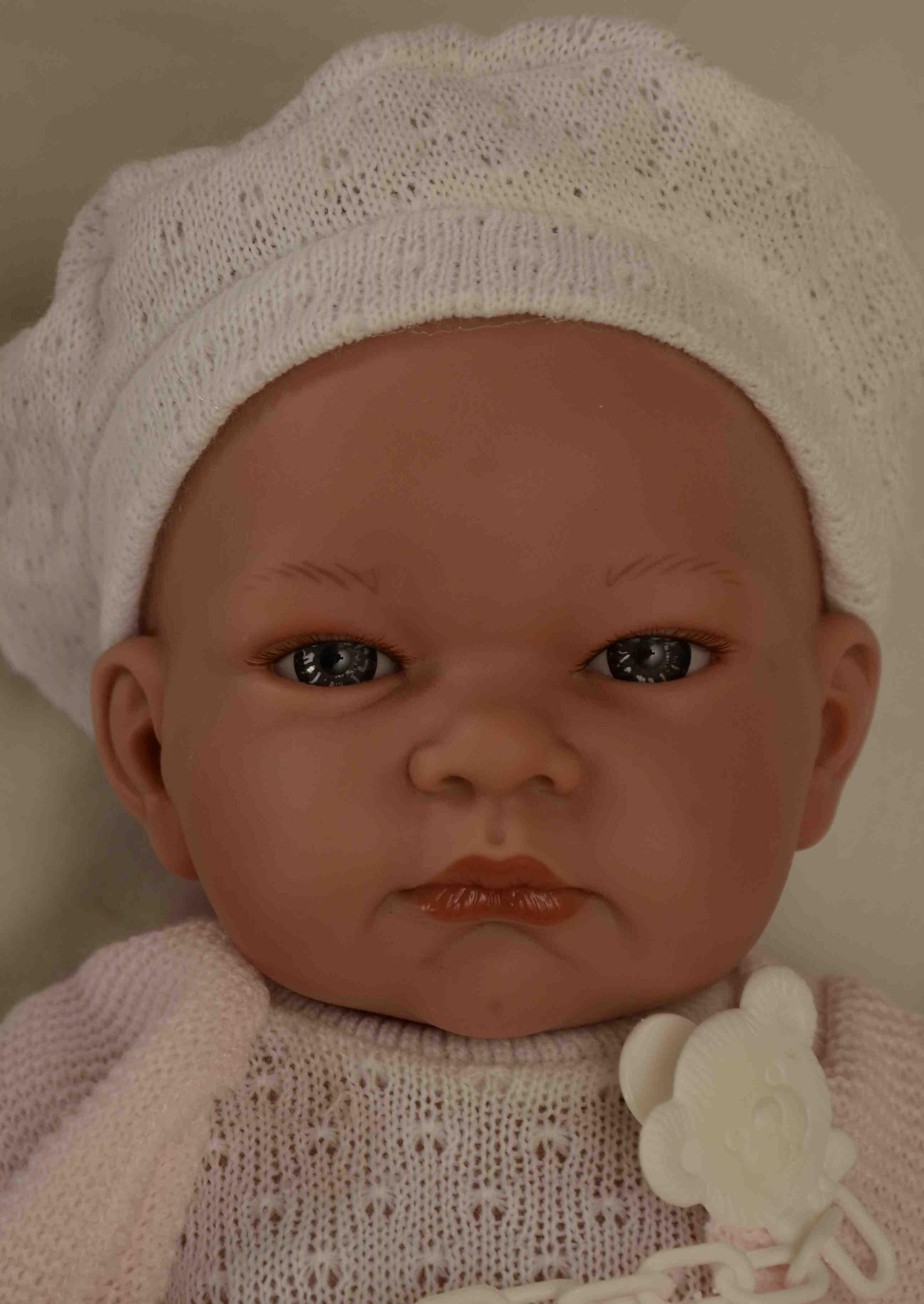 Realistické miminko - holčička - Jenny v baretu od firmy Lamagik (Doprava zdarma)