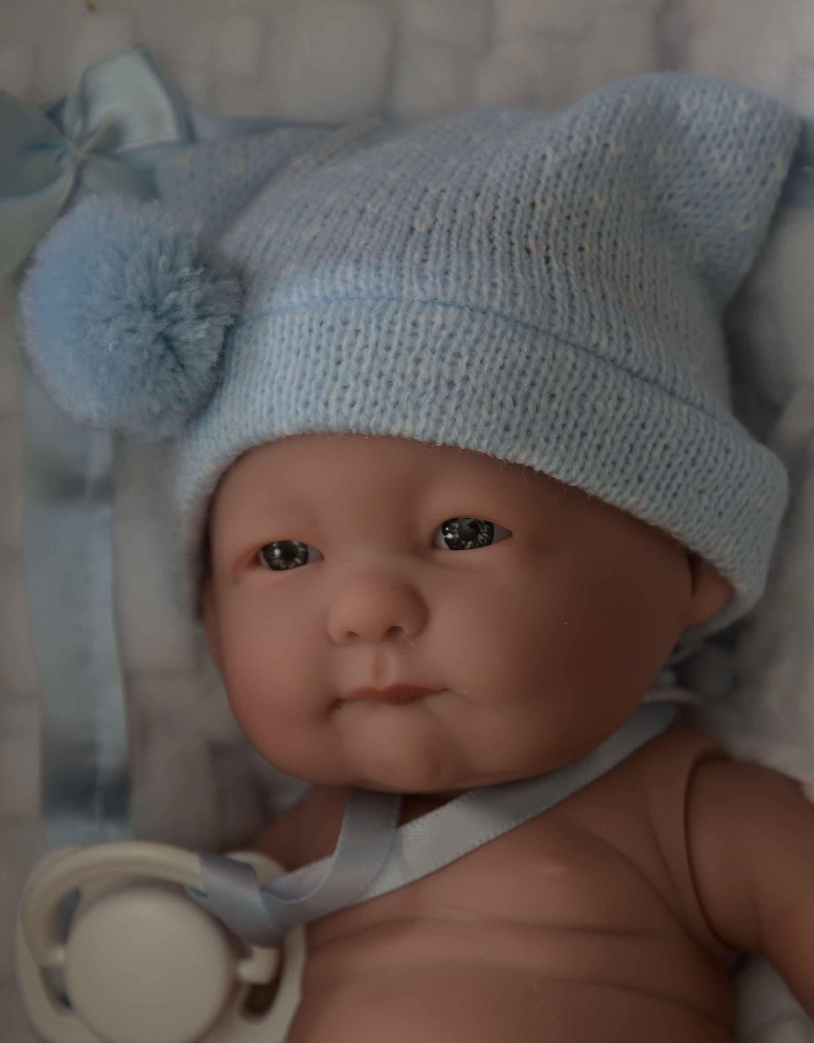 Realistická panenka chlapeček Fanoušek od firmy Guca ze Španělska (Doprava od 35 Kč)