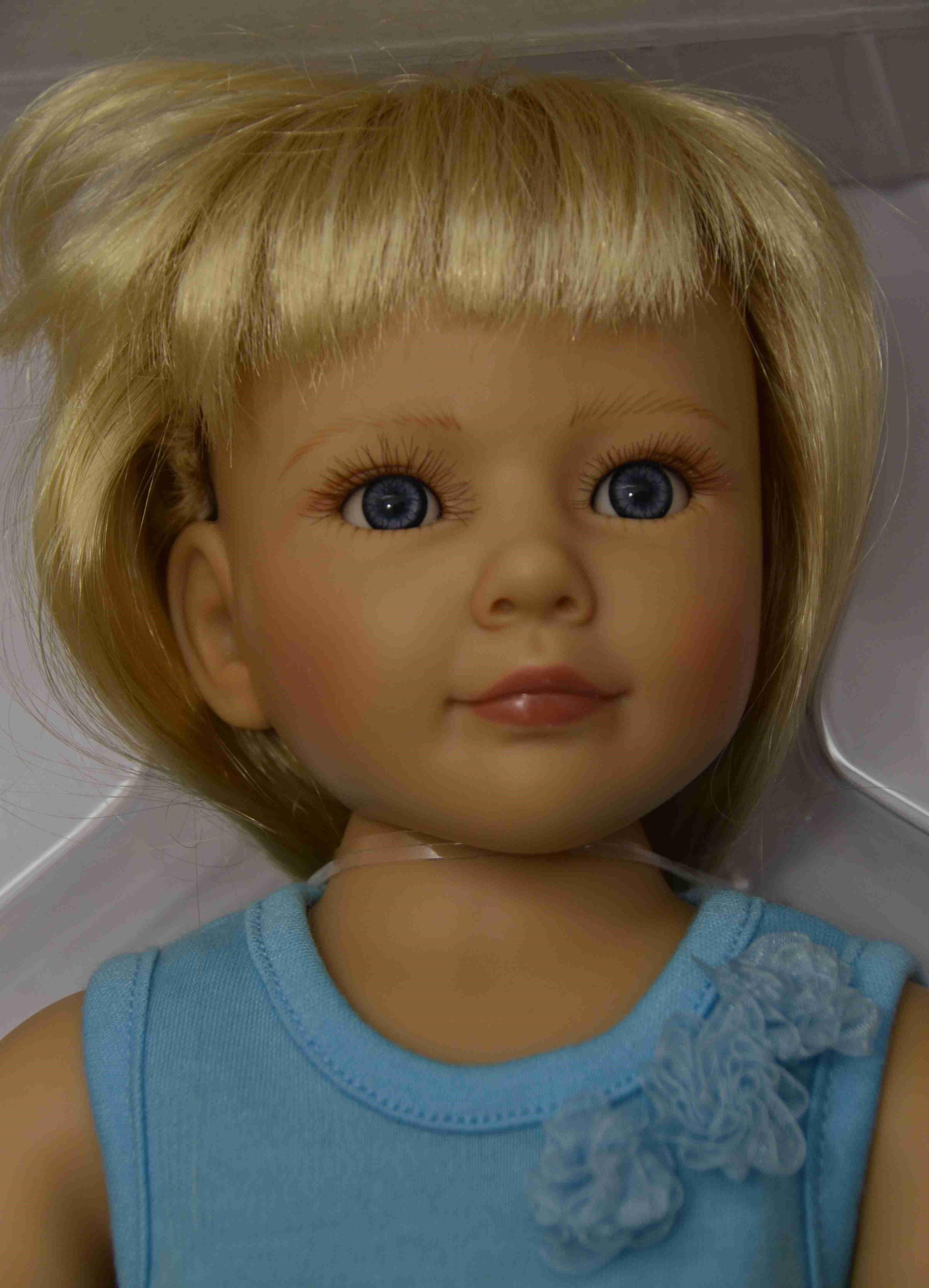 Kloubová panenka - holčička Marina značky Kidz-n-Cats (Doprava od 35 Kč)