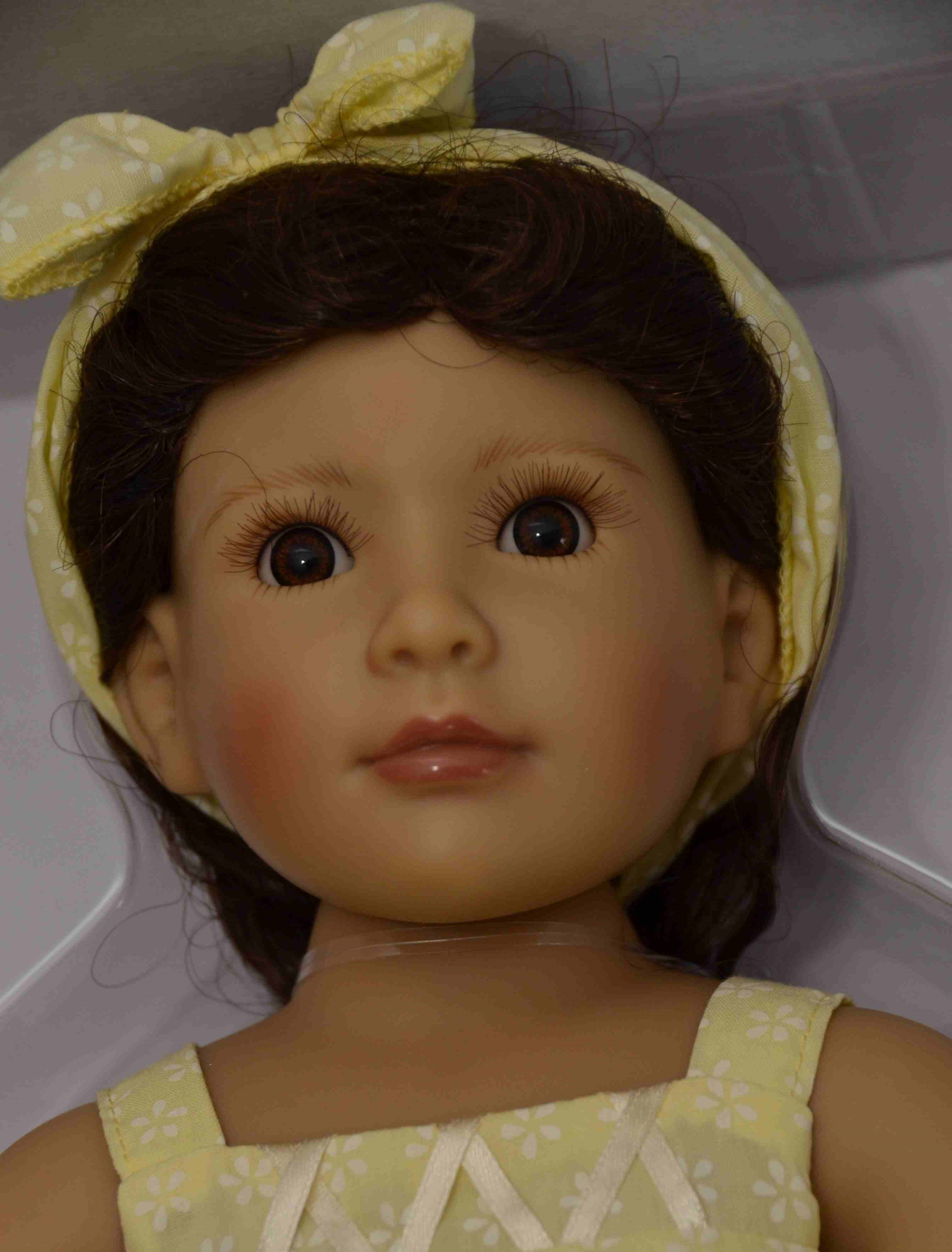 Kloubová panenka - holčička Laura značky Kidz-n-Cats (Doprava od 35 Kč)