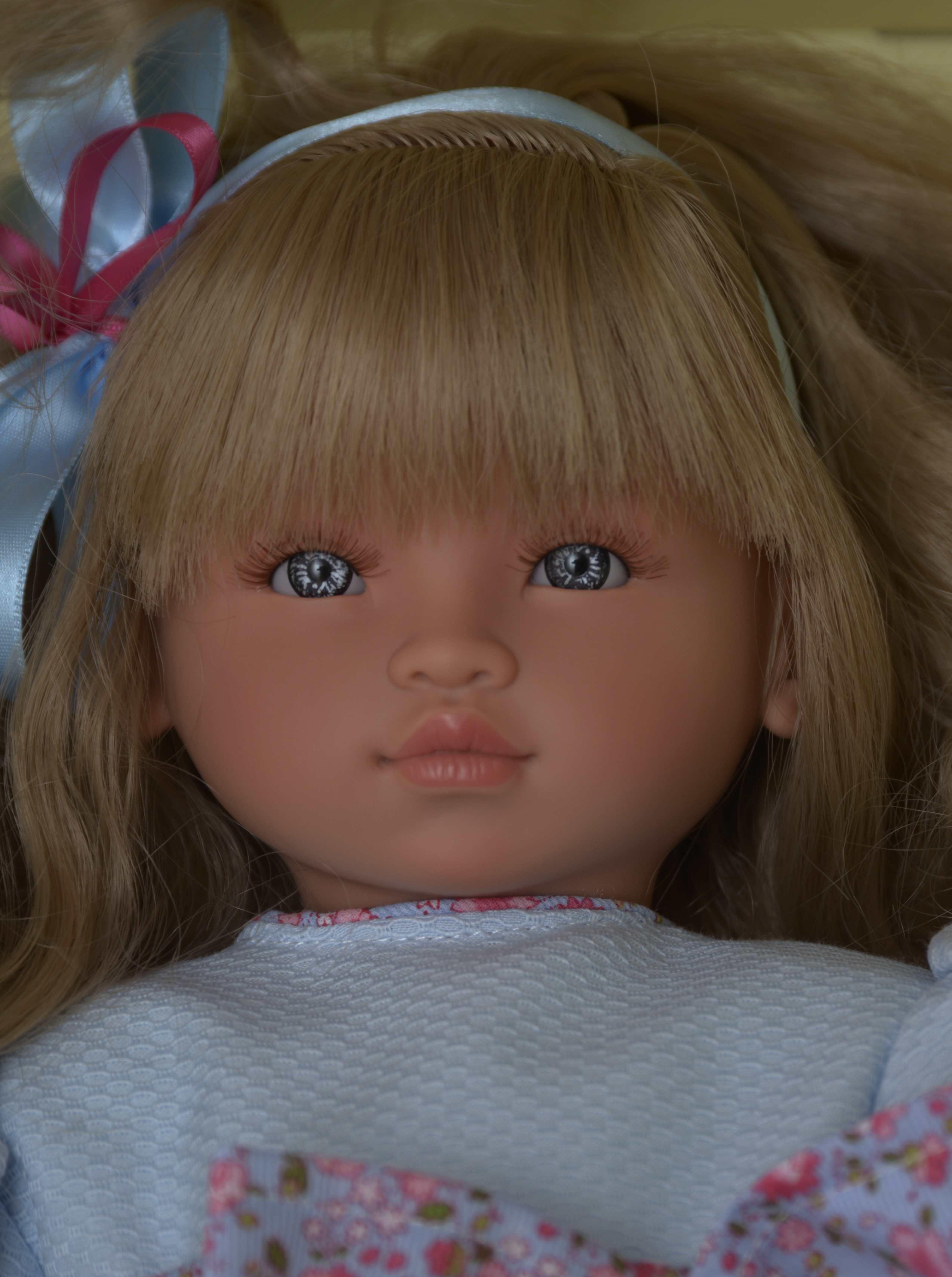 Realistická panenka ELI - blonďaté vlásky od firmy ASIVIL ze Španělska