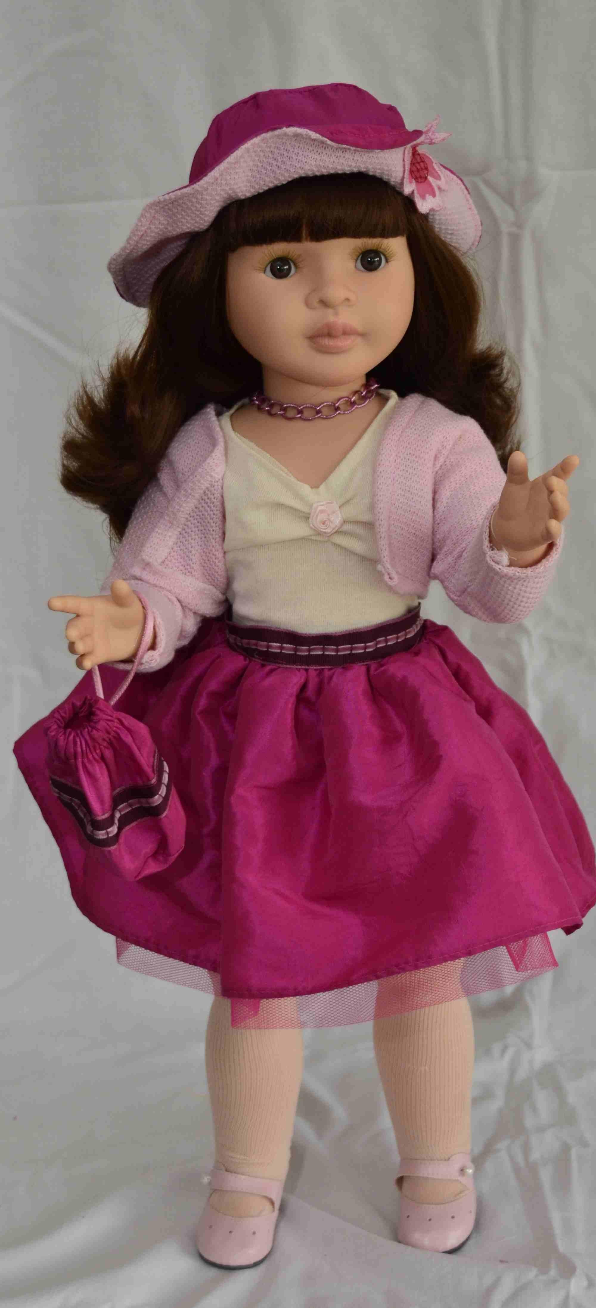 Lidia - kloubová (60cm) od Paola Reina ze Španělska