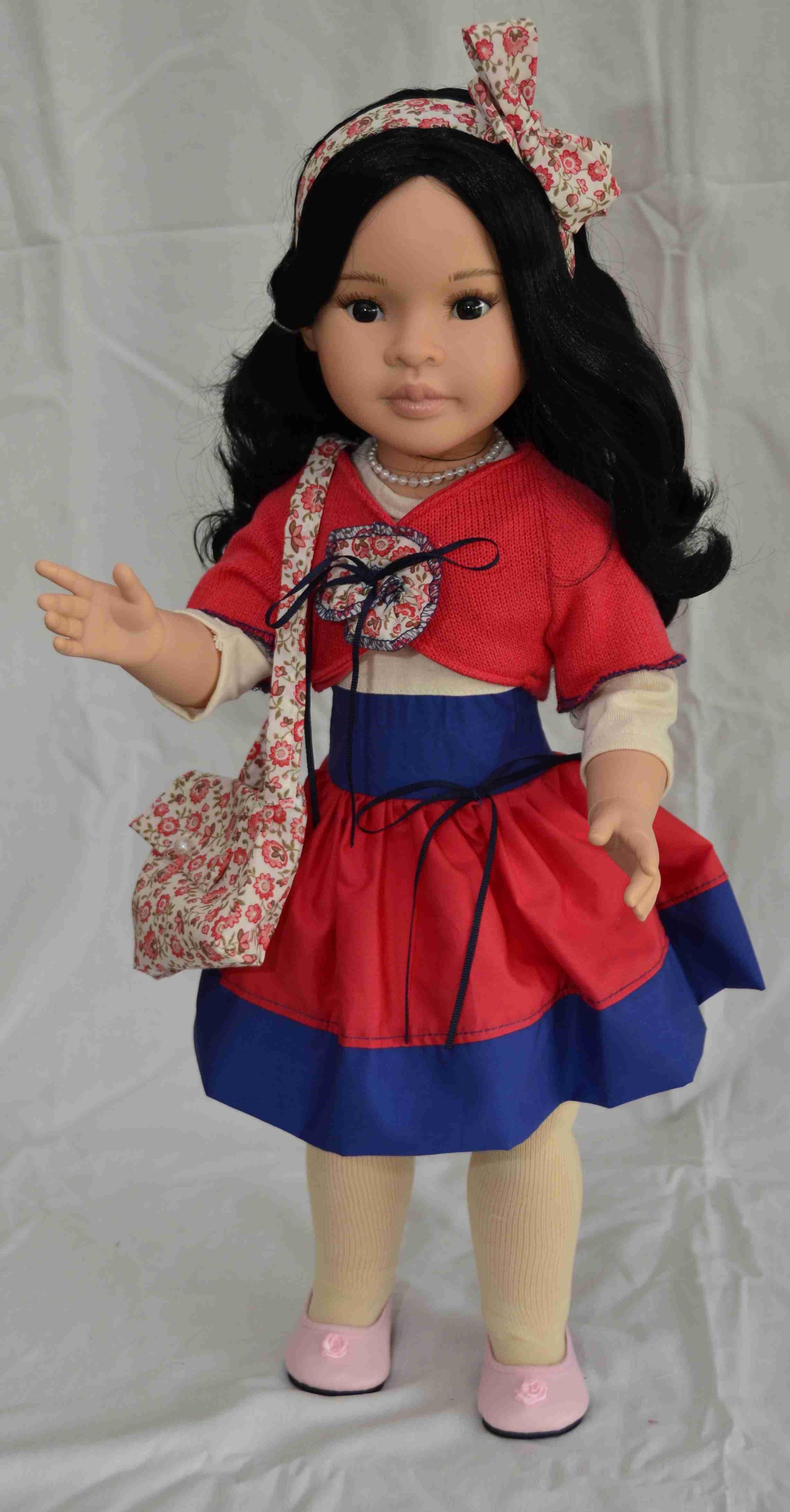 Mei - kloubová (60 cm) od Paola Reina ze Španělska