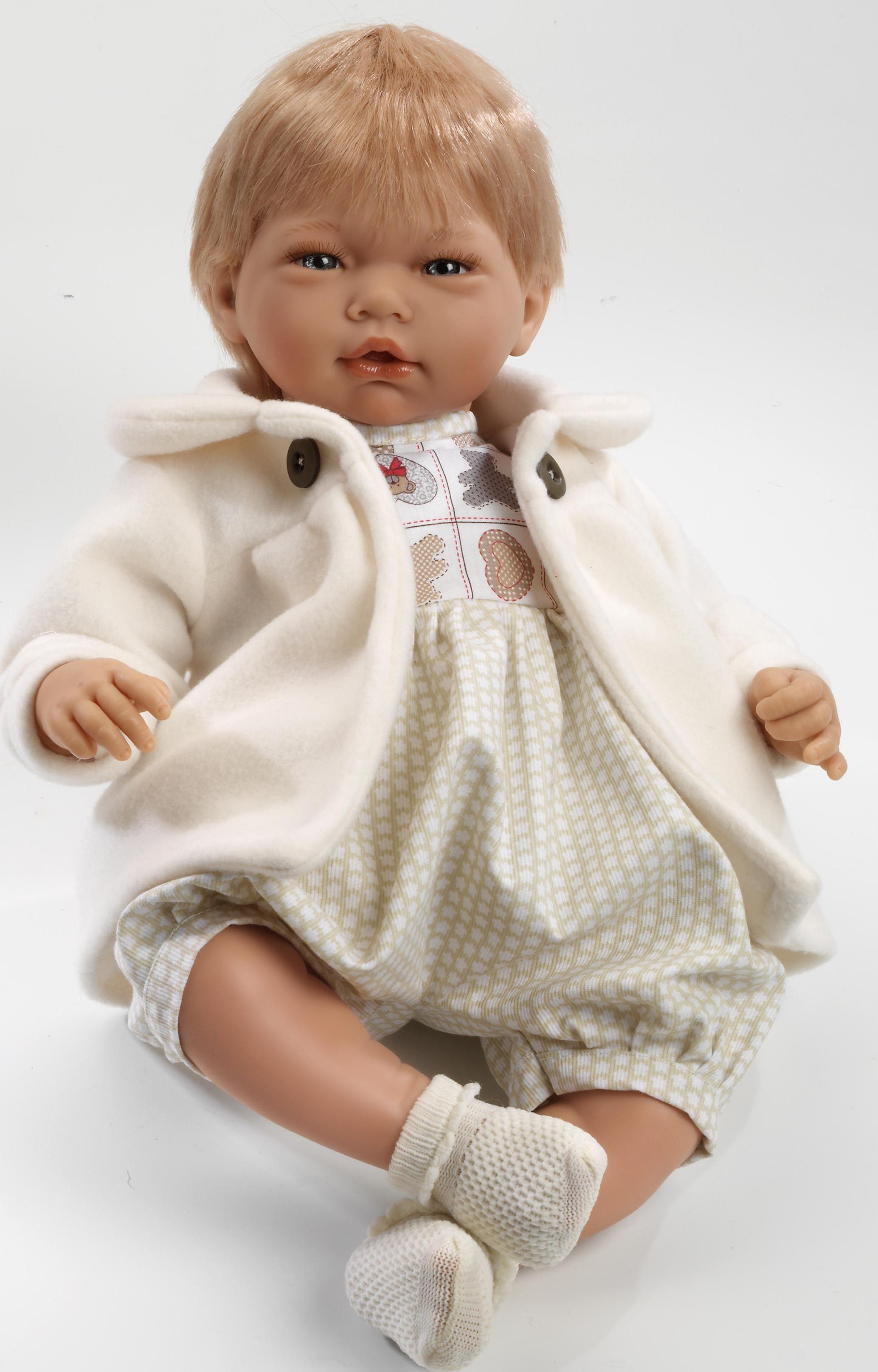 Realistické miminko - chlapeček Adrián v bílém kabátku od f. Guca ze Španělska (Doprava zdarma)