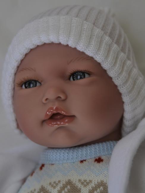 Realistické miminko chlapeček Samuel v modrém zimním oblečení od firmy Guca (Doprava zdarma)