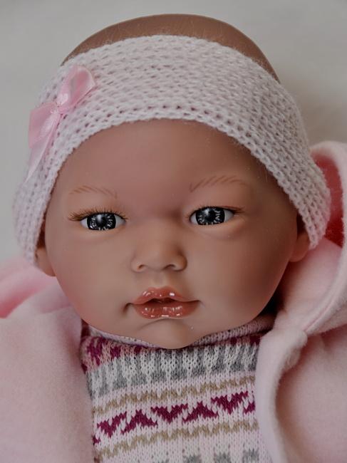 Realistické miminko holčička Alba v růžovém zimním oblečení od firmy Guca (Doprava zdarma)