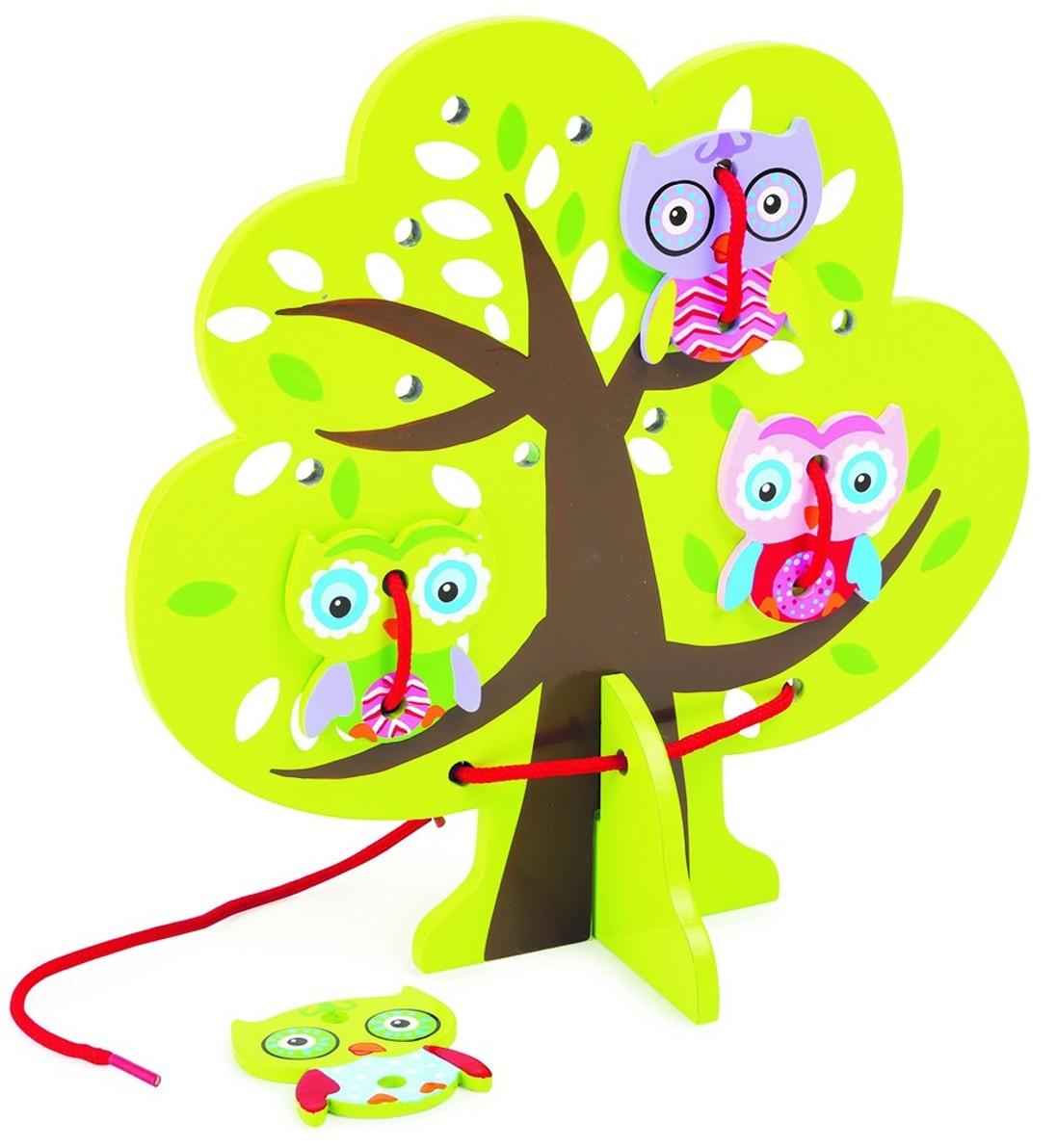 Sovičky na stromě- provlékání tkaniček