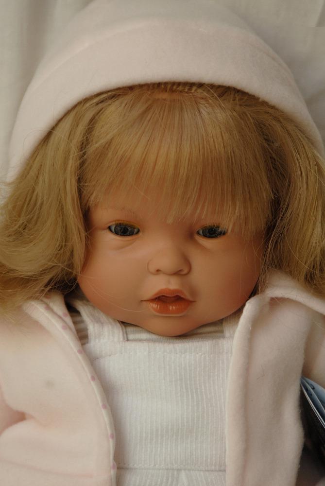 Moflete - holčička s bílou čepicí od firmy Lamagik ze Španělska (Doprava zdarma)
