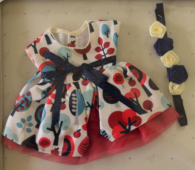 Obleček pro Emmu v jarním oblečení