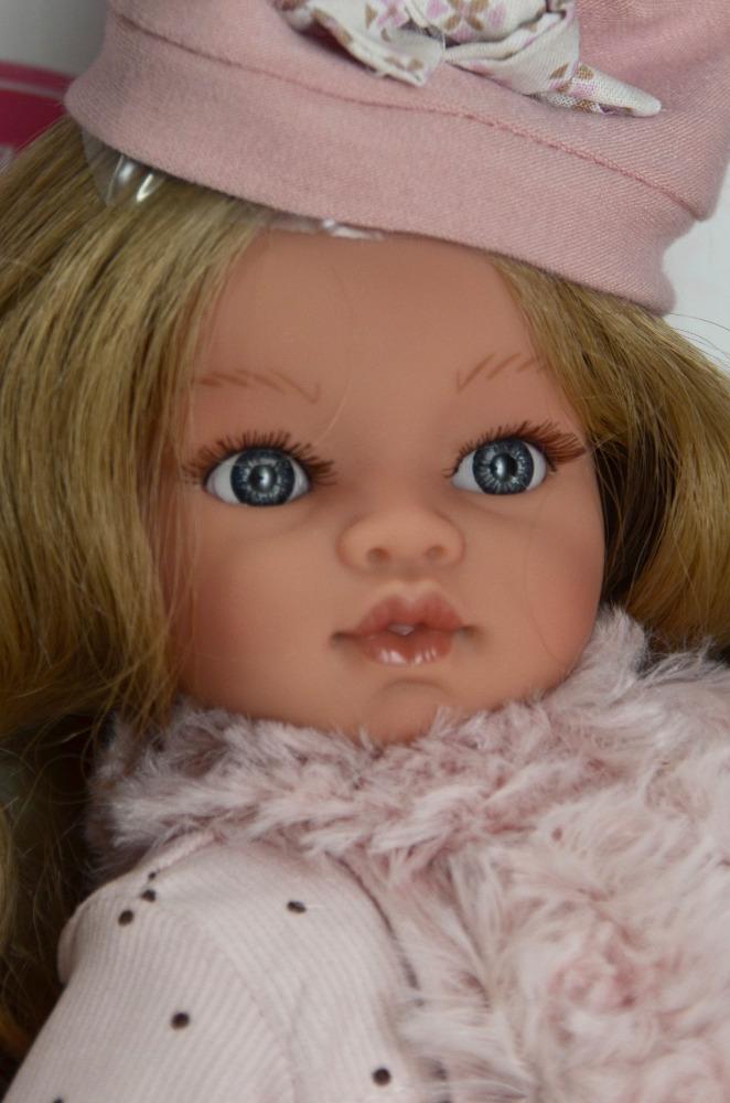 Realistická panenka Antonio Juan - Emily v kabátku - světlé vlásky