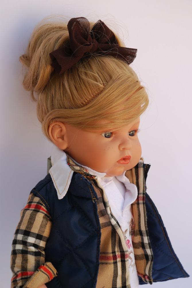 Realistická panenka holčička Carolina od firmy ENDISA ze Španělska