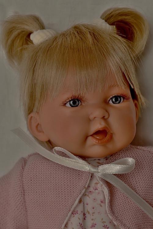 Realistická panenka - holčička - Petit Pirris- světlé vlásky- od Antonio Juan