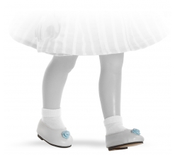 Fotografie Bílé nízké boty s modrou kytičkou