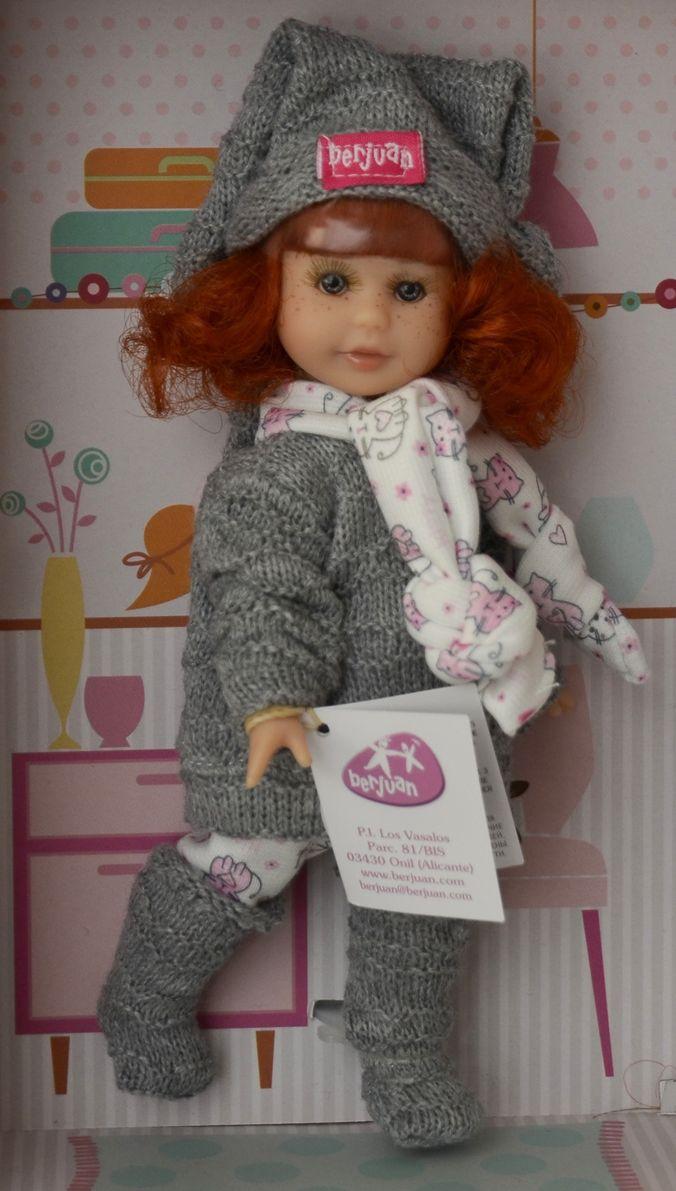 Realistická panenka holčička Irena - zrzavé vlásky - šedý svetr od firmy Berjuan