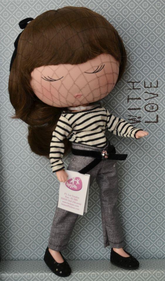 Panenka Anekke Coco od firmy Berjuan (Španělské panenky)
