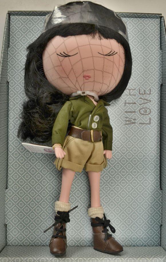 Panenka Anekke Safari od firmy Berjuan (Španělské panenky)
