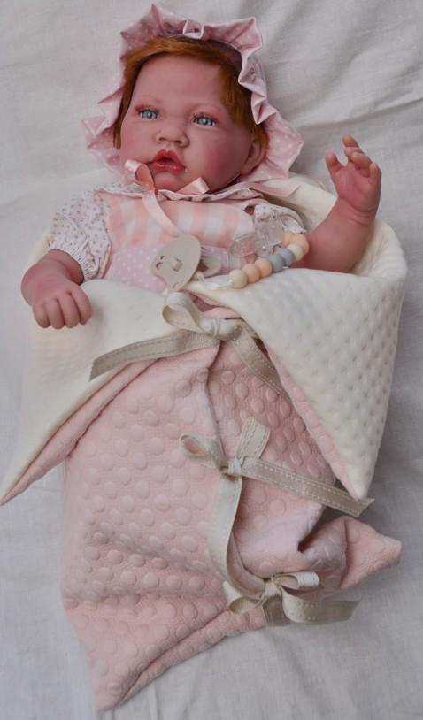 Sweet Reborn -miminko s zrzavými vlásky ve spacím pytli od Antonio Juan