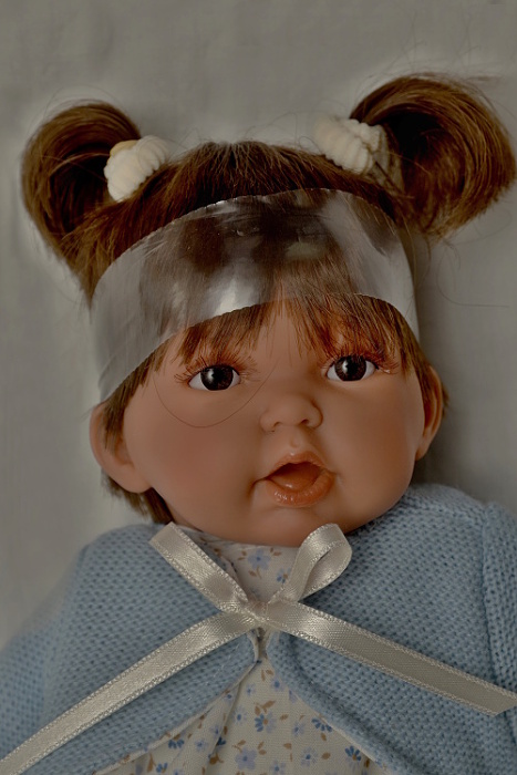 Realistická panenka holčička - Petit Pirris tmavé vlásky od Antonio Juan (Doprava od 35 Kč)
