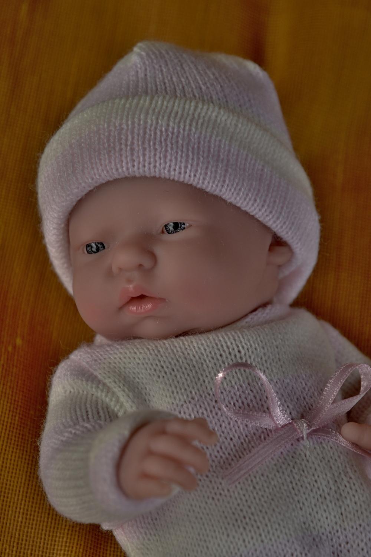 Realistické mini miminko - holčička Malenka, která přemýšlí (Doprava od 35 Kč)