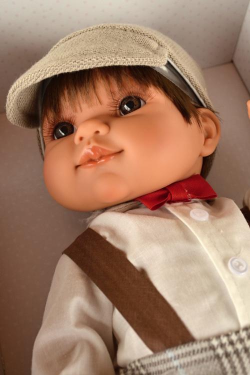 Realistická panenka chlapeček Farito s motýlkem od firmy Antonio Juan (Doprava zdarma)