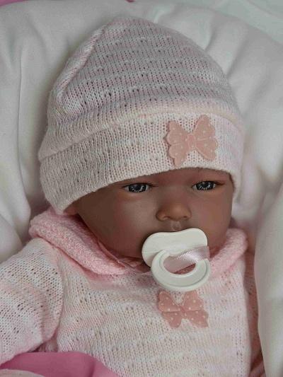Realistické miminko - holčička - Alba na polštářku od firmy Guca ze Španělska (Doprava zdarma)