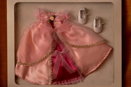 Sada na princeznu Fuchsii 04573 (Obleček + boty)